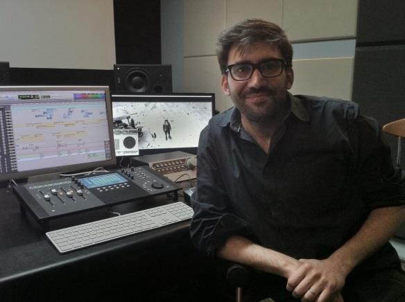 El diseñador de sonido Juan Ferro, en su estudio -Milciclos-