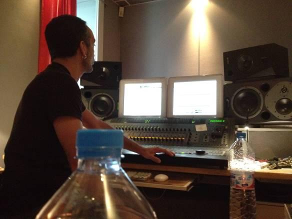 El Sonidista y diseñador de sonido Ernest Peral en los estudios de CIA sonora